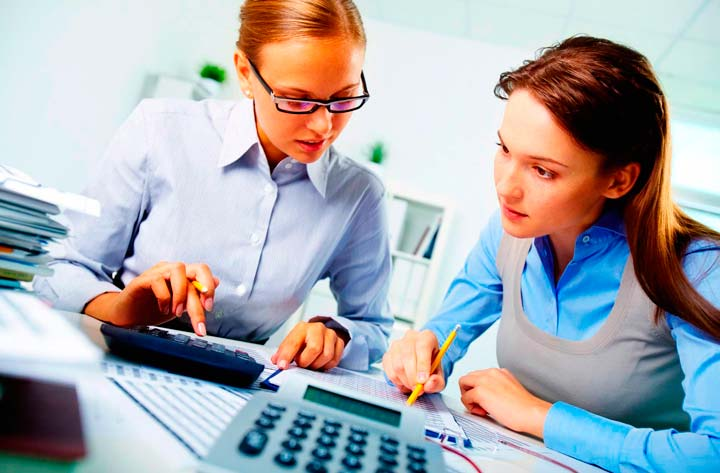 Помощь финансового специалиста в производстве товара