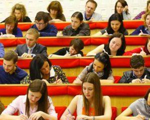 - формирование у учащихся способности самообразования и усваивания учебной информации и умения контролировать свои поступки,