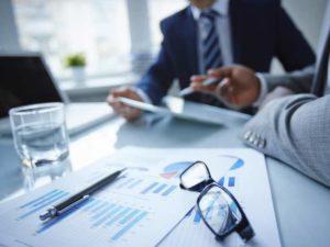 - нотариально заверенную копию на право заниматься предпринимательской деятельностью,