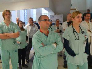 -работники, занятые в сфере здравоохранения (исключая персонал частных медицинских учреждений),